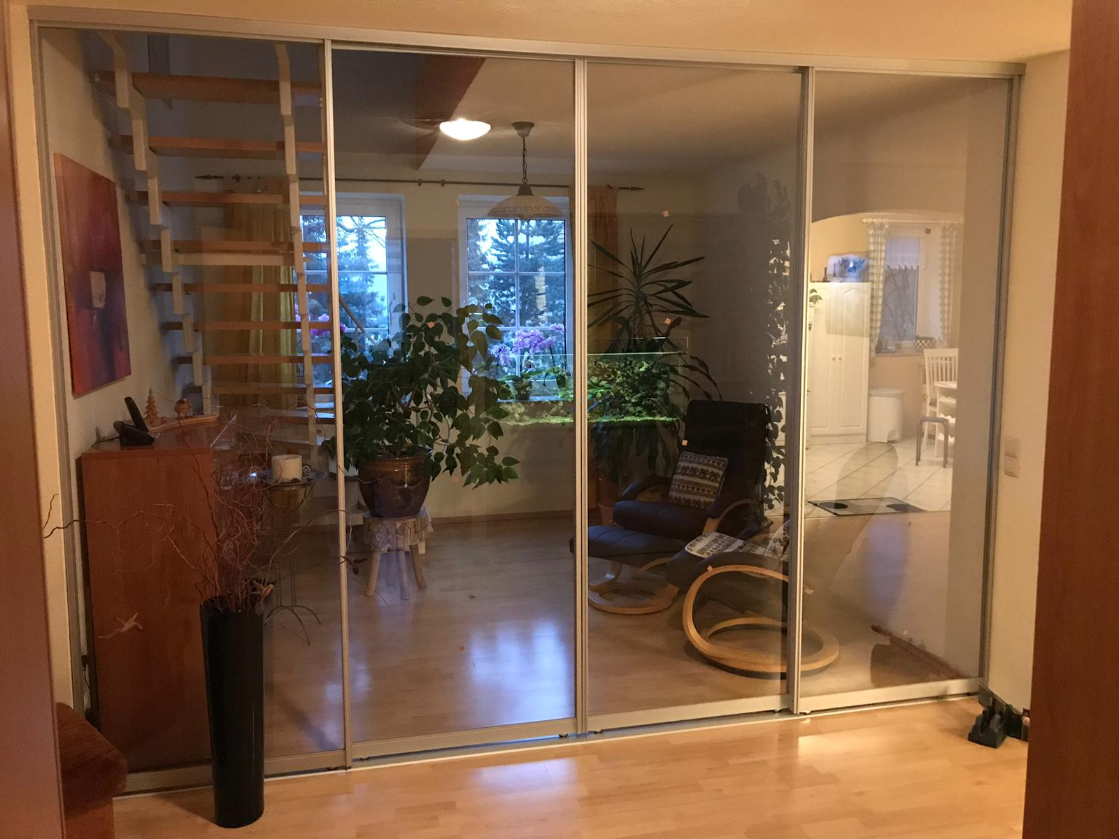 Holz- und Glas-Schiebetüren nach Maß | Raumteiler ...